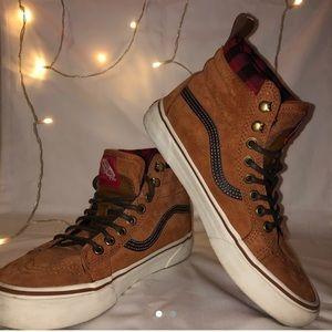 VANS - suede brown and black